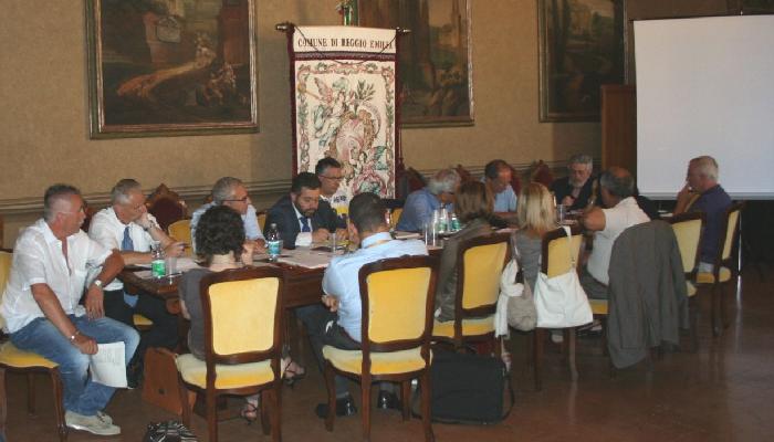 Avviso pubblico - Incontro a Reggio E. sul tema Appalti (7.7.11) ok