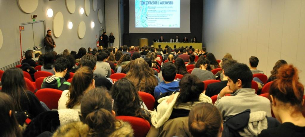 Auditorium-Malaguzzi-convegno-con-Giancarlo-Capaldo-Elia-Minari-Roberto-Scarpinato